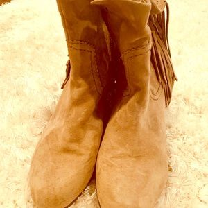 Sam Elderman size 10 boots.